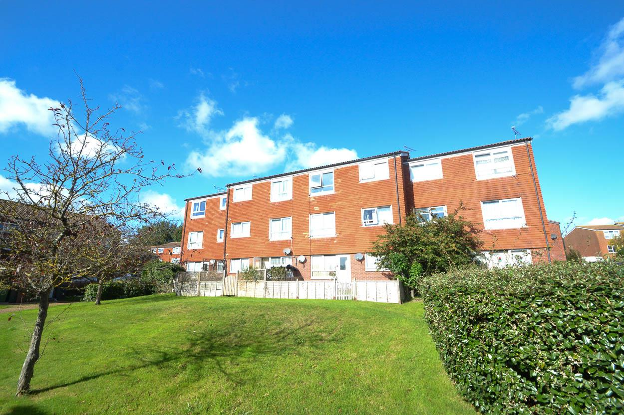 1 Bedroom Flat for sale in Fountains Close, Eastbourne